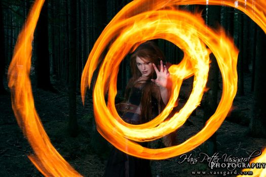 Sorceress V by TatharielCreations