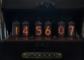 Steampunk Nixie Clock by DasKabinettWatches