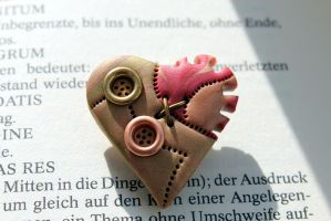 Steampunk heart brooch gear wheel by Sakiyo-chan