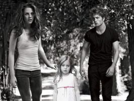 Edward bella and renesmee by littletwilighter