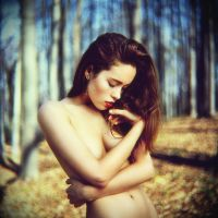 Victoria in the forest by psychiatrique