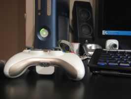 Xbox 360 Controller by PvtWaffles