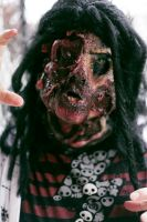 Zombie makeup finished by Crucifer01
