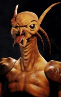 Alien bust by maxew