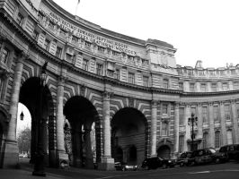 A glance to the Admiralty Arch by samugtr