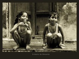 Children of Varanasi - India by krevet