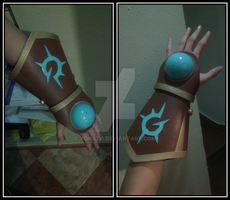 Ezreal glove - Second part (finished) by Yonato