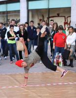 street dancers by psychodelic-candy