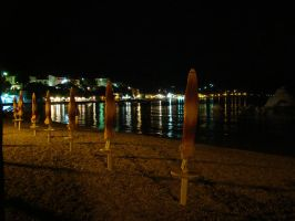 Beach at night by littleancsi