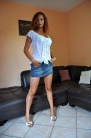 Jessy in short skirt. by DanSOLER