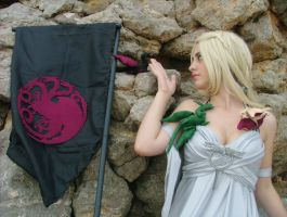 Cosplay Daenerys Targaryen by FAN-SNE