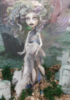 monster high custom repaint The Wraith by Rach-Hells-Dollhaus
