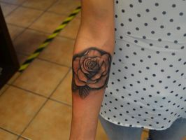 realstic rose tattoo by johan887766