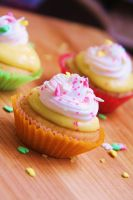 lemon cupcakes. by sorekara