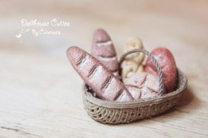 Rustic Bread Basket by Glowpr