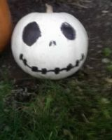 my jack skellington pumpkin. by xjennxox