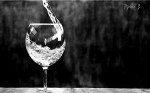 glass of water by stefanforce