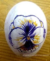 pansy egg by GeaAusten