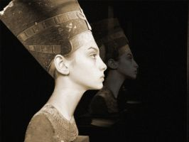 The Other Lorraine Girl (or Nefertiti) by zviad1i
