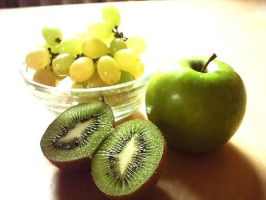grapes_apple_kiwi fruit by Zitronenbaum