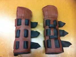 Hiccup riding gloves close up by LeSaVy