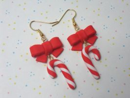 Candy-cane earrings by solid-paradox