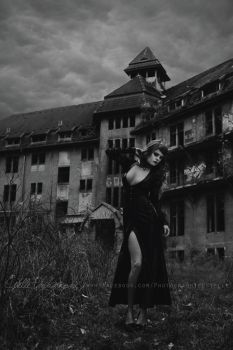 Haunted hotel by Estelle-Photographie