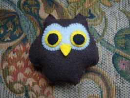 Owl Plushie by peasant-king