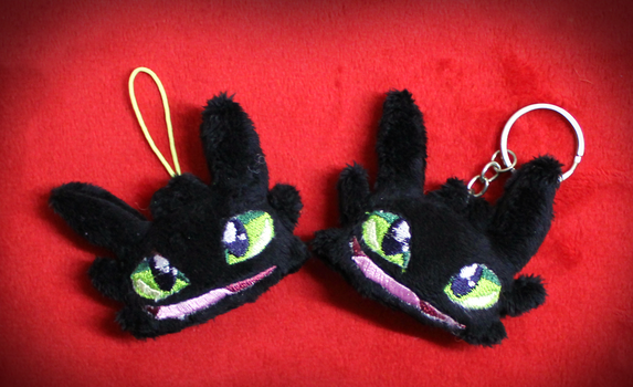 Toothless plushie keychain by Peluchiere
