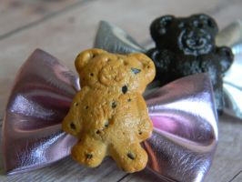 Teddy Graham Bow Hair Clips-Polymer Clay-Cabochons by ThePetiteShop