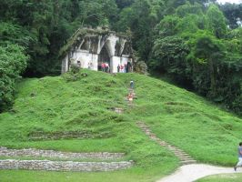 Palenque, green pyramid by hotuko
