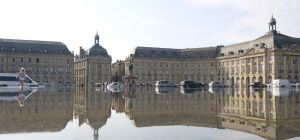 Place de la Bourse by Momez