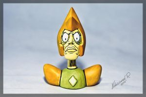 SU: Angry Yellow Diamond Sculpture 2 by Arnne