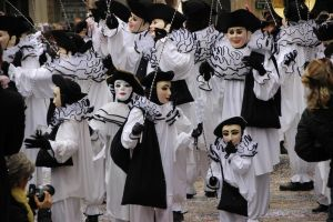 Blanquetiers of the carnival of Limoux by Gerfer