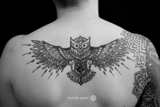 tattoo owl by piotrszot