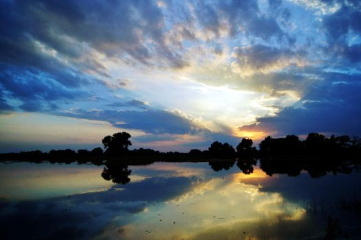 Sunset Reflections by FeliDae84