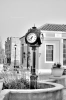 B and W Clock by Zoso1024