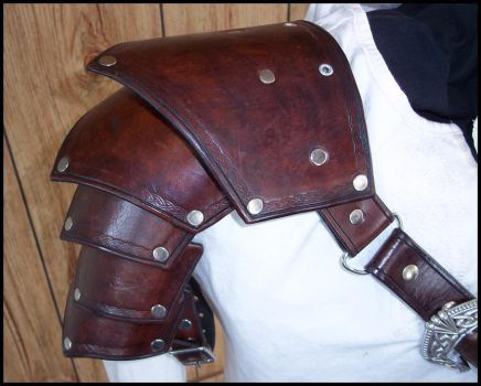 Celtic Pauldron by SteamViking