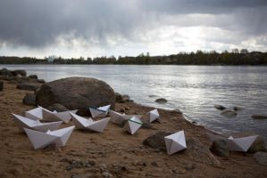 Paper boats by olgaFI