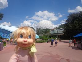 Brittany Miller at Epcot by mclaren1988