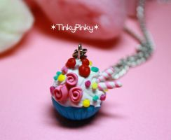 turqoise cupcake pendant by tinkypinky