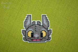Toothless Cross Stitch by inu-chan-free