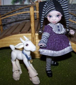 Pierrot by DaisyDayes