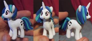 Pony custom- Vinyl Scratch by Zaphy1415926