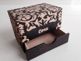 A box to Cora 1 - pyrography by tiagoianuck