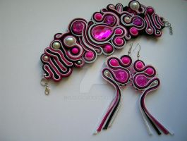 Amaranthus - soutache earrings and bracelet by Stszala