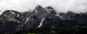 Mountainside by m3tzgore