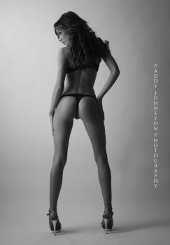 Kelly-may perfect bum by ARTEROTICA1