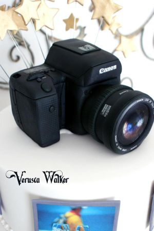 Photography Cake by Verusca