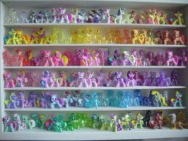 My little Pony G4 Blind Bag Shelf *update* by BerryMouse
